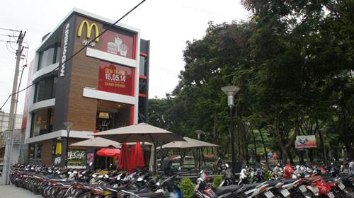 McDonald's VN lên tiếng về thông tin gà bị đối xử tàn tệ
