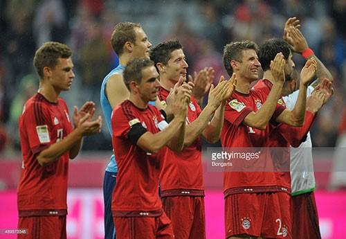 Bayern 5-1 Wolfsburg: Lewandowski tỏa sáng với 5 bàn