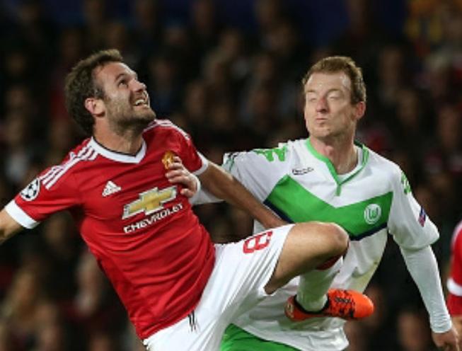 M.U 2-1 Wolfsburg: Mata tỏa sáng, 'quỷ đỏ' thoát hiểm