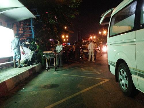 Nam thanh niên đánh giày gục chết cạnh trạm dừng chân xe buýt