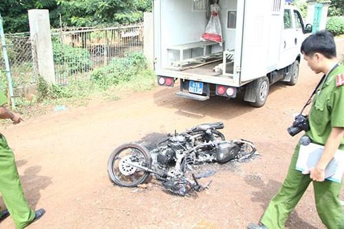 Nghi án hai thanh niên trộm chó bị đánh chết, đốt xe
