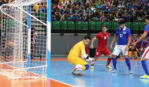 Sốc: Futsal Việt Nam thua Malaysia