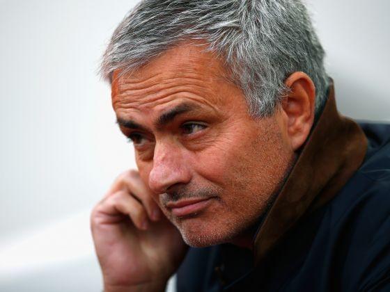 Mourinho đang hủy hoại hình ảnh Premier League