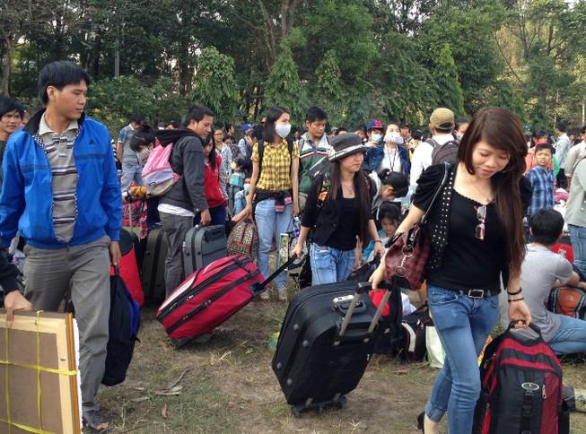 Hàng ngàn vé xe cho công nhân, sinh viên về quê ăn tết