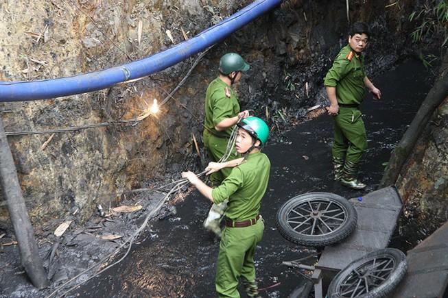 Công tác tìm kiếm nạn nhân trong vụ sập hầm gặp nhiều khó khăn
