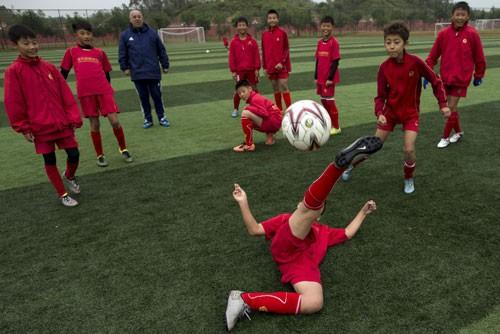 Trung Quốc hành động để trở thành cường quốc bóng đá