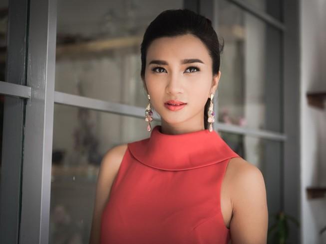 'Ồn ào phá vỡ gia đình Huy Khánh là vết sẹo cuộc đời'