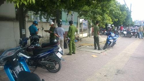 Phát hiện xác người đàn ông trước cổng bệnh viện