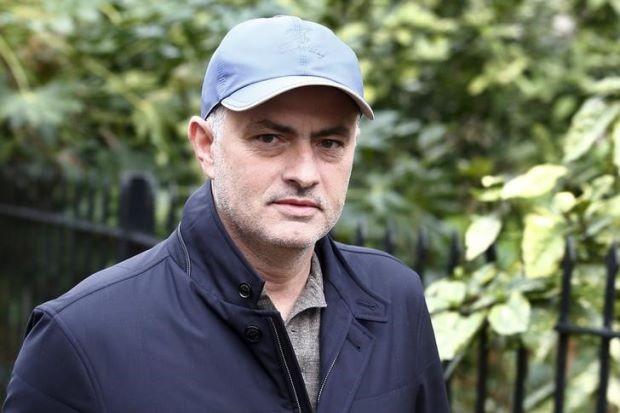 Mourinho lại tung hỏa mù
