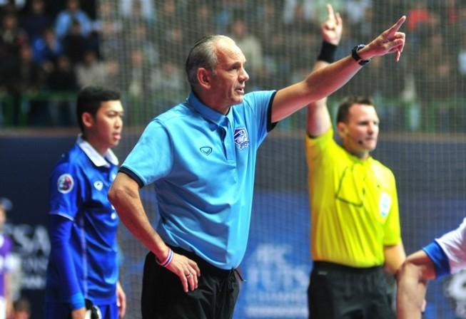 HLV Hermans: 'Không cho Futsal Việt Nam viết lại lịch sử'
