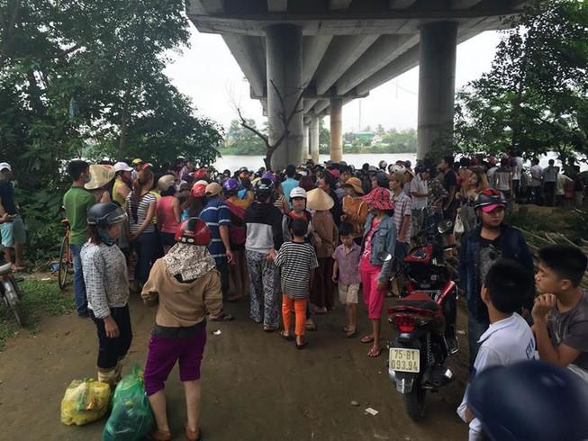 Một phụ nữ gieo mình xuống sông Hương tự vẫn