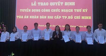 TP.HCM: Tuyển dụng 42 thư ký tòa mới