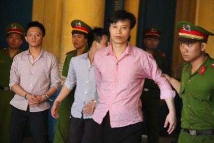 Nghị án kéo dài vụ 'sáng tố hiếp dâm, chiều mới xảy ra chuyện hiếp'