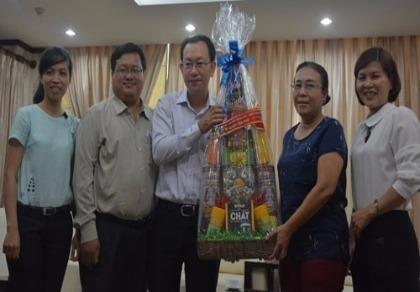 UBND quận Tân Phú thăm báo Pháp Luật TP.HCM