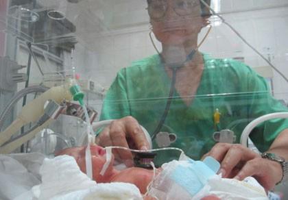 Mổ lấy thai nhi của bệnh nhân ung thư đã di căn