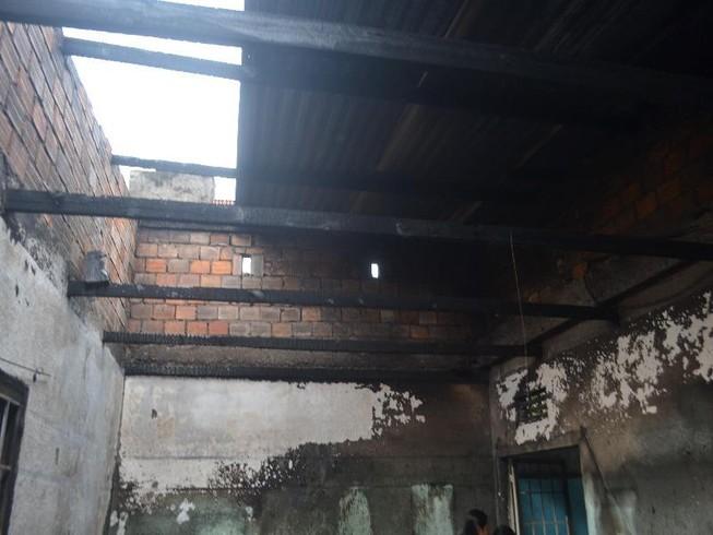 Đà Lạt: Cháy nhà nghi do iphone đang sạc pin phát nổ