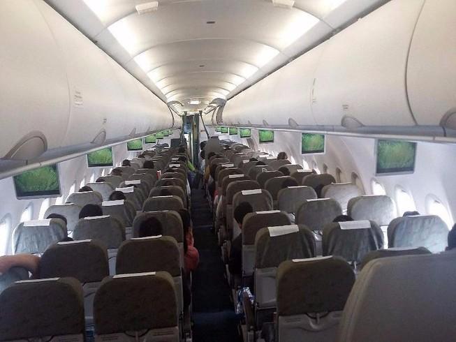 Máy bay đi Buôn Ma Thuột đáp xuống sân bay…Tân Sơn Nhất