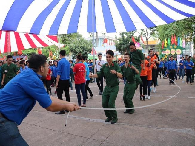 Quận Bình Thạnh: 235 thanh niên lên đường nhập ngũ