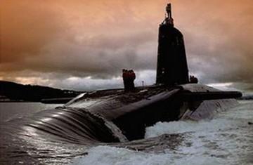 Tại sao Nga theo dõi tàu ngầm nguyên tử của Anh?