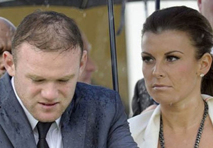 Coleen giữ Rooney ở lại M.U