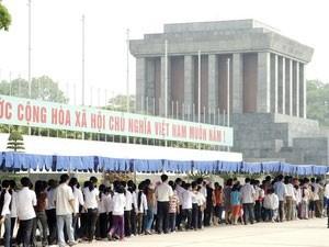 Hơn 36.000 người vào Lăng viếng Hồ Chủ tịch trong ngày 2/9
