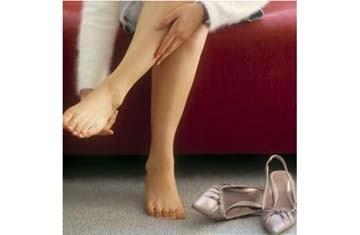 Chớ coi thường hiện tượng tê chân tay