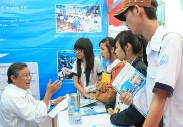 Tuyển sinh ĐH, CĐ 2013: Đại học tư tung chiêu hút thí sinh