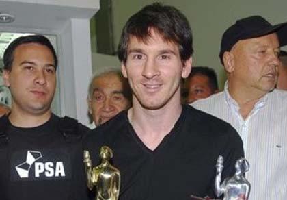 Messi giành giải VĐV Mỹ Latin của năm 2011