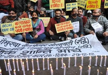 Nạn nhân bị hiếp dâm tử vong: Dư luận Ấn Độ sôi sục đòi công lý