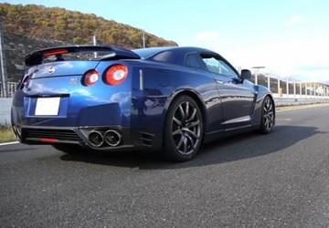 GT-R 2013 tăng giá chóng mặt