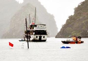 Vụ chìm tàu ở Quảng Ninh làm 12 người chết: Do tàu bị bục đáy