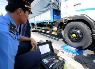 TP.HCM dùng cân điện tử phát hiện xe quá tải