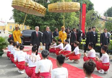 Việt Nam-Campuchia hợp tác toàn diện, bền vững lâu dài