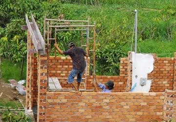 Sợ xây dựng trái phép, cấm đủ thứ