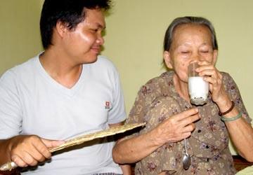 Sữa dành cho người bệnh tiểu đường: Không uống tùy tiện!