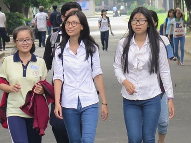 Thứ trưởng Bùi Văn Ga lý giải những băn khoăn của kỳ thi THPT 2017