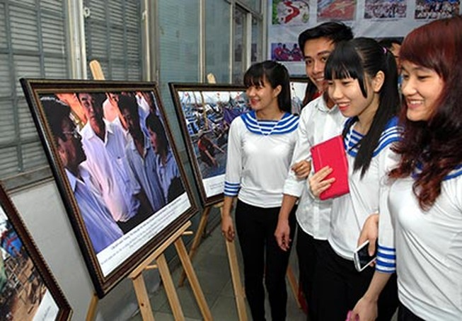 """Triển lãm ảnh """"Cảm xúc Hoàng Sa - 2014"""" của phóng viên Nhật"""