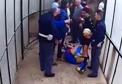13 cầu thủ bị treo giò sau một trận đấu