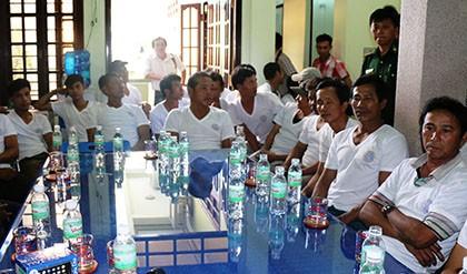 Cứu 36 thuyền viên trên tàu Quảng Nam bị nạn ở Trường Sa