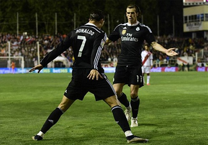 Ronaldo ghi bàn thứ 300, Real tiếp tục truy đuổi Barca