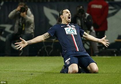 """Ibrahimovic """"nổi điên"""", PSG lọt vào chung kết"""