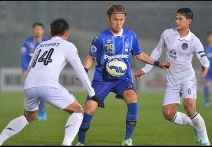 B.Bình Dương - Buriram hai đặc trưng bóng đá Việt - Thái