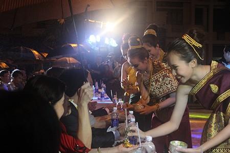 Sinh viên Lào rộn ràng đón tết Bunpimay trên đất Việt Nam