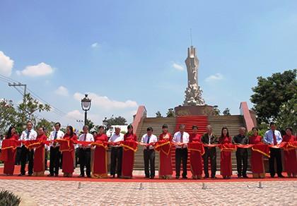 Khánh thành tượng đài nghĩa sĩ Cần Giuộc