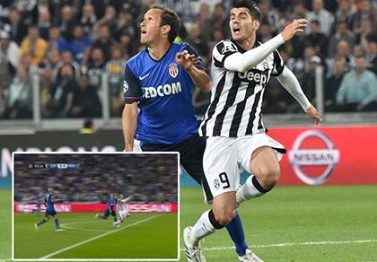 Trọng tài mắc sai lầm, Juventus hưởng lợi