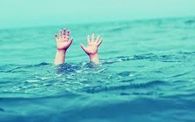 Hai học sinh chết đuối trong hồ nước do khai thác cát tạo nên