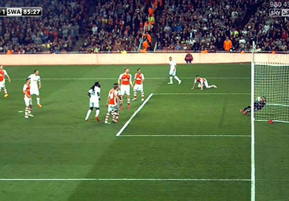 Arsenal đứt mạch bất bại vì công nghệ goalline