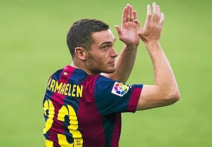 """Thực hư chuyện Arsenal """"hưởng sái"""" Barca vụ Vermaelen"""