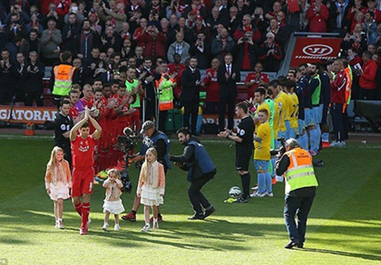 Liverpool thua ngược ở trận Gerrard chia tay Anfield