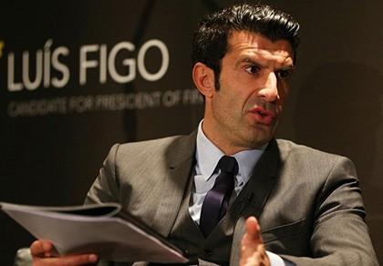 Cuộc đua Chủ tịch FIFA: Figo đột ngột rút lui!